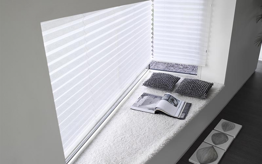 pleated blinds sheer
