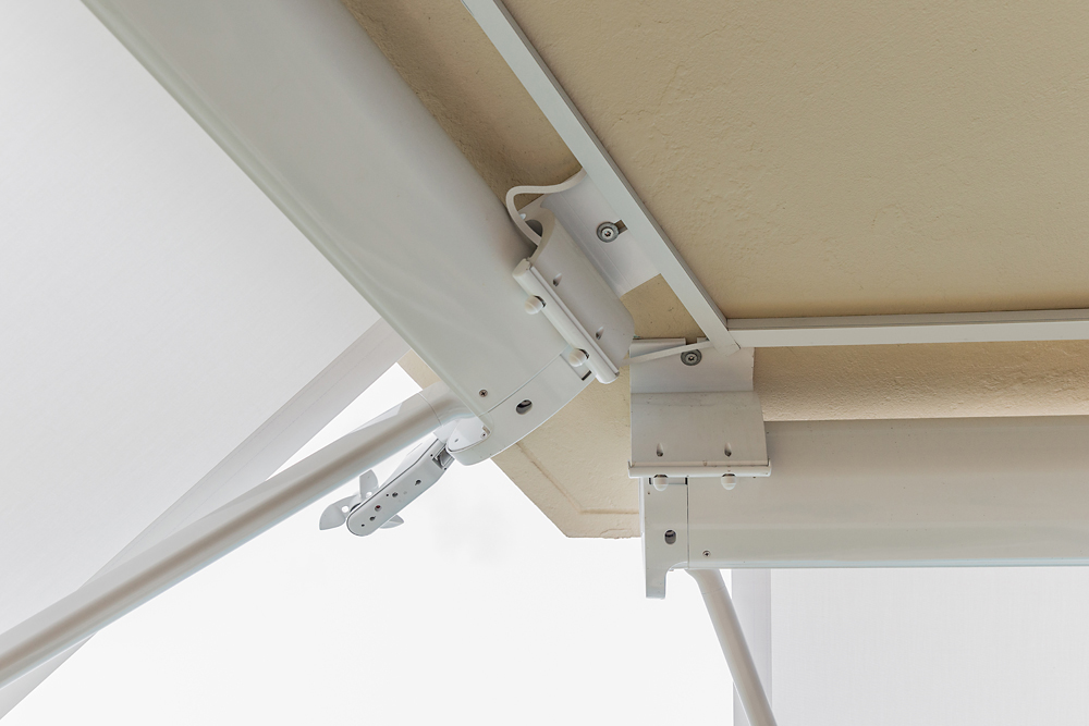 Full Cassette Outdoor Retractable Window Awning From Weinor